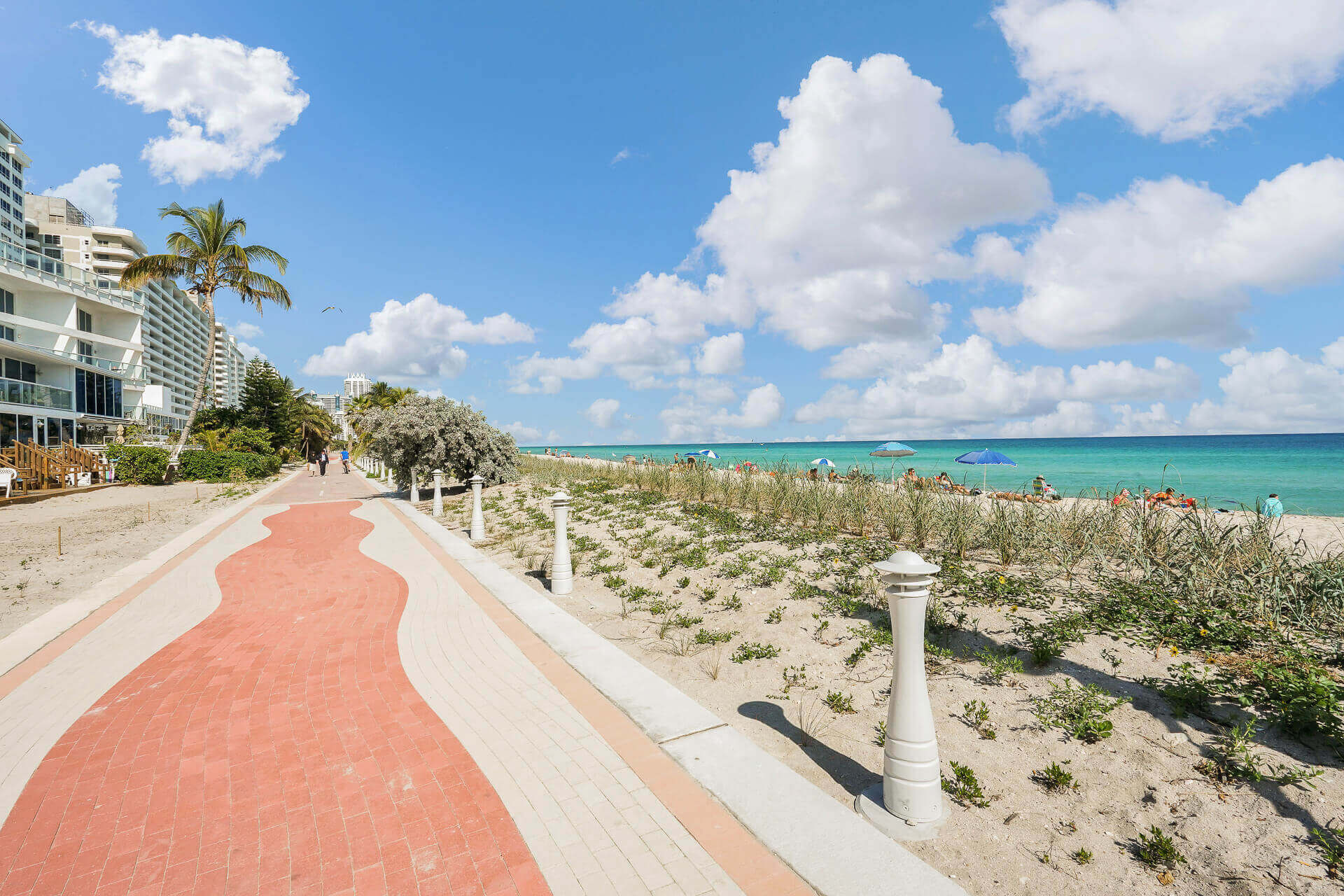 plage south beach collins ave