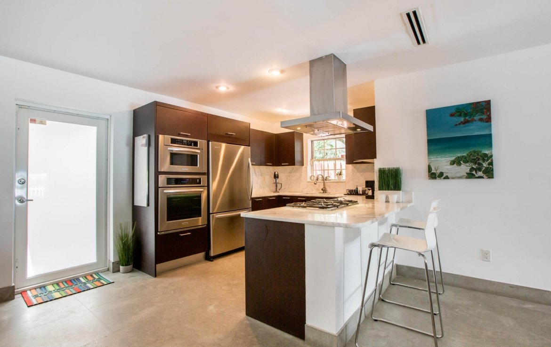 une cuisine type d'une maison miami beach