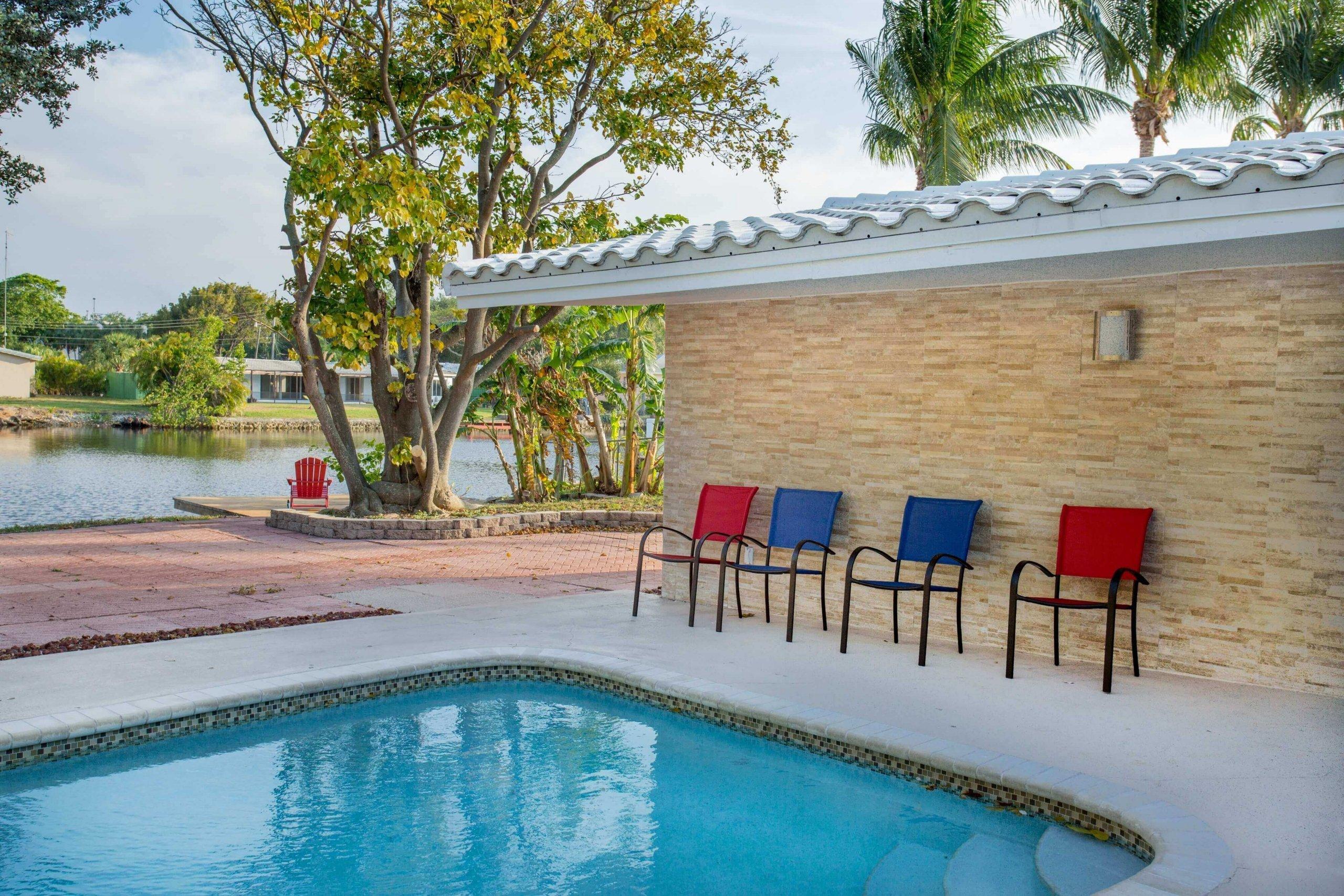 piscine exterieur d'une maison de vacances en floride
